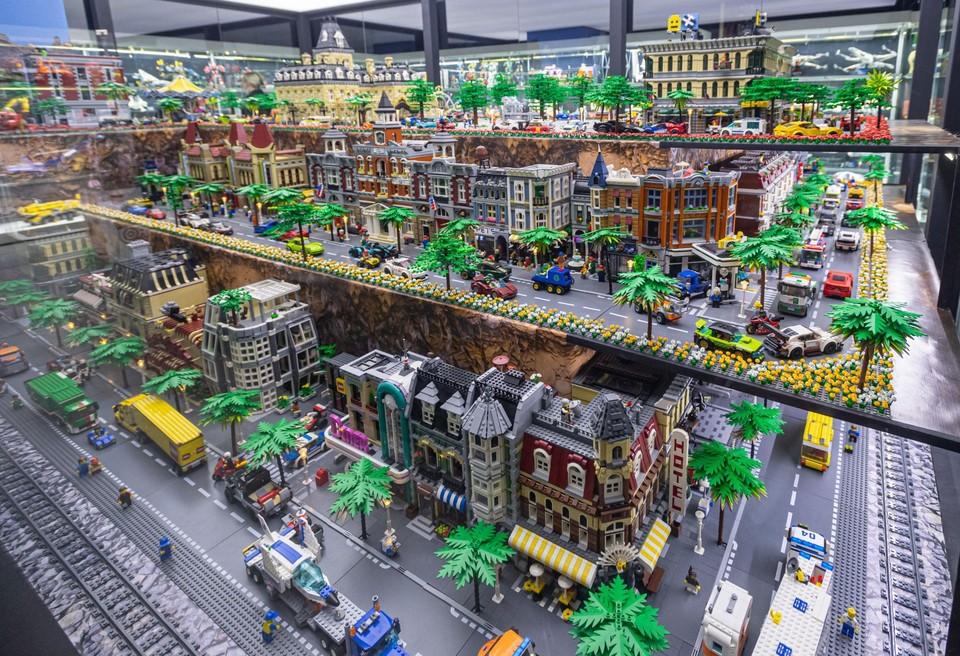 В музее создали уникальный лего-город.