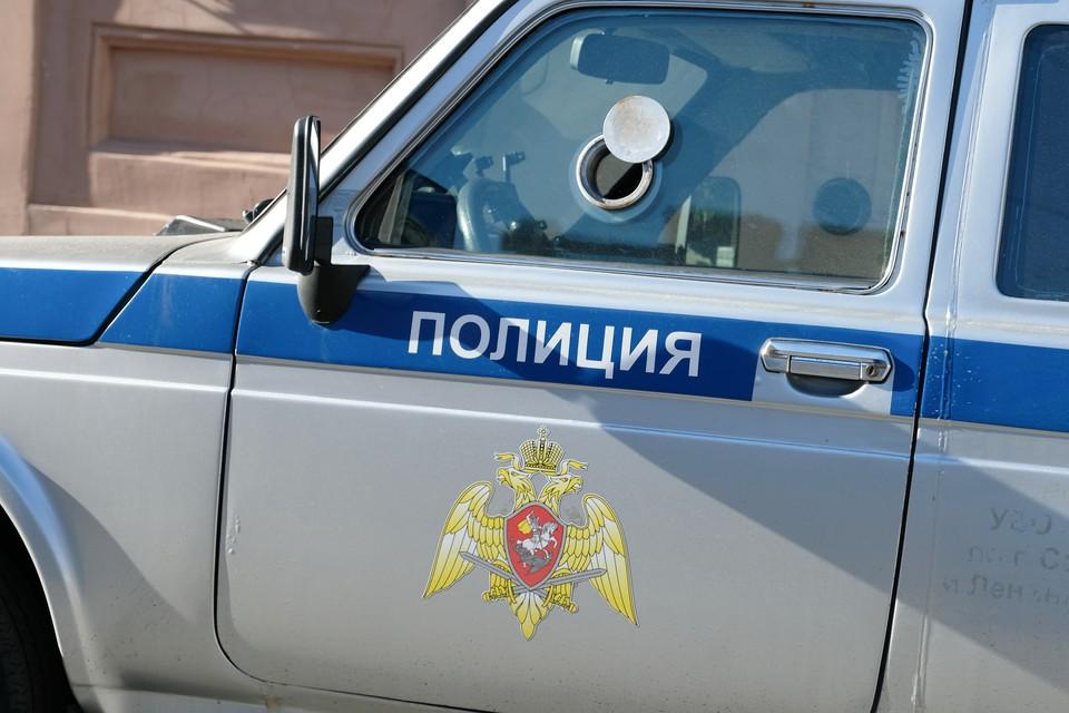 Мертвую девушку с пакетом на голове нашли в съемной квартире в Петербурге.