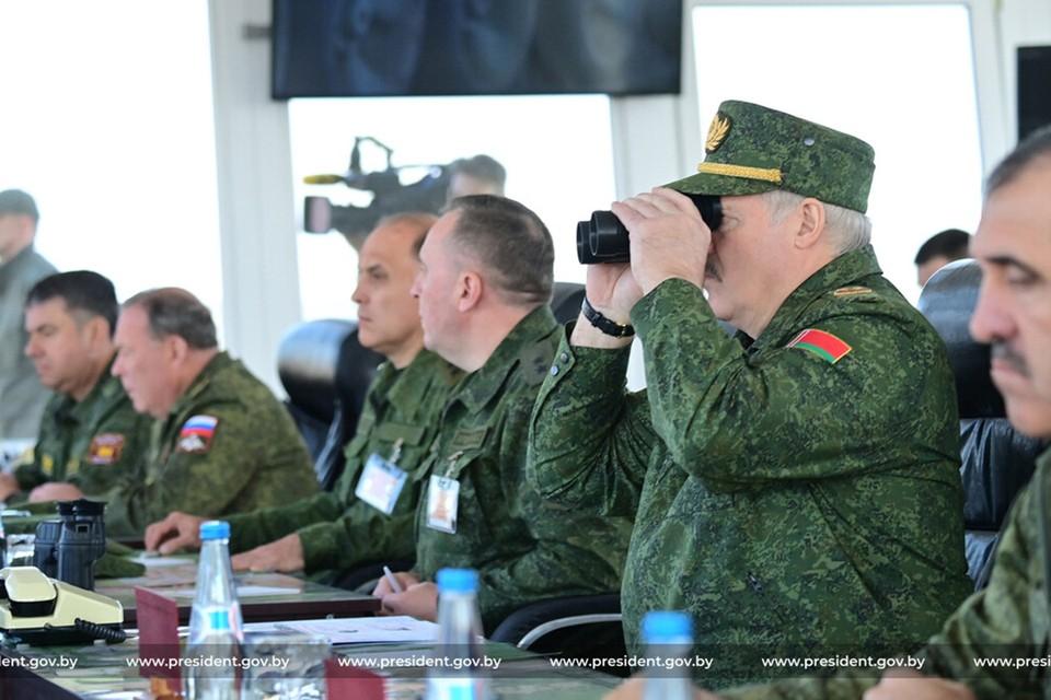 Президент Беларуси Александр Лукашенко наблюдал 12 сентября за активной фазой учения «Запад-2021». Фото: president.gov.by