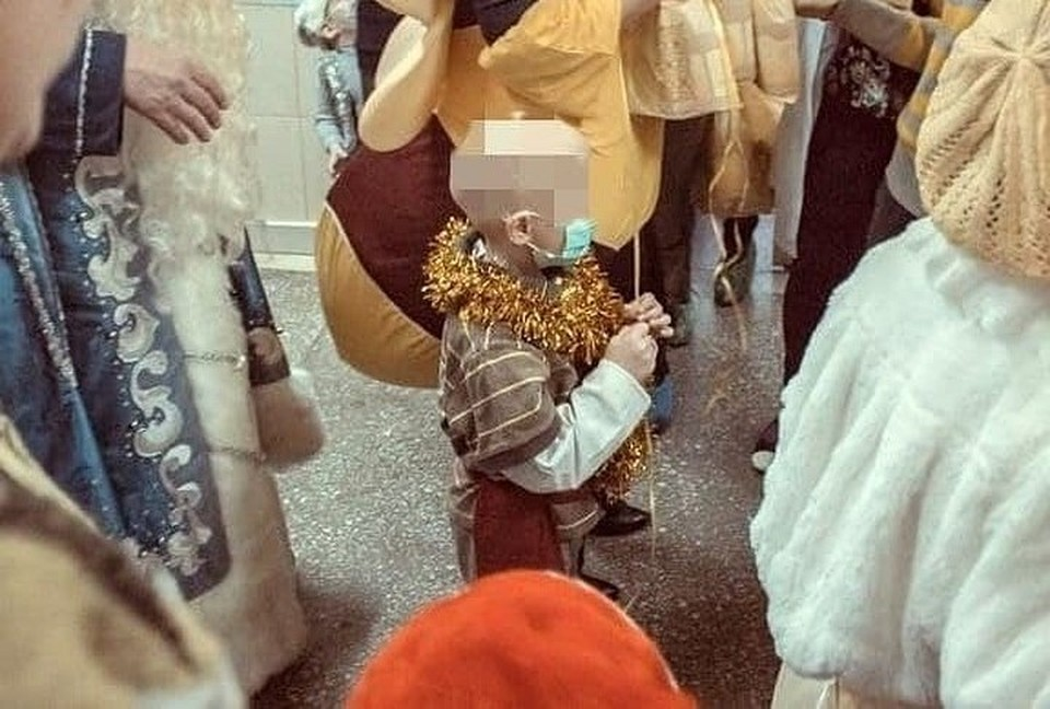 На днях мальчик начал лечение в Санкт -Петербурге. Фото: Дмитрий Жебелев/Facebook