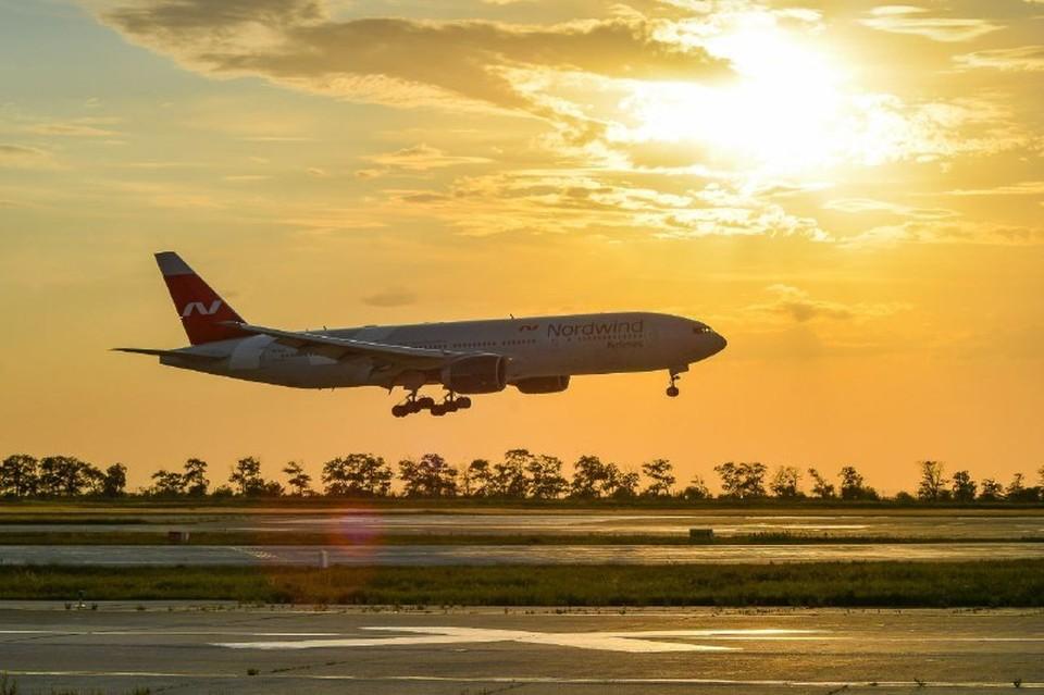 """Споттинг — вид увлечения, заключающийся в наблюдении за самолетами и их фотографировании. Фото: пресс-служба аэропорта """"Симферополя"""""""