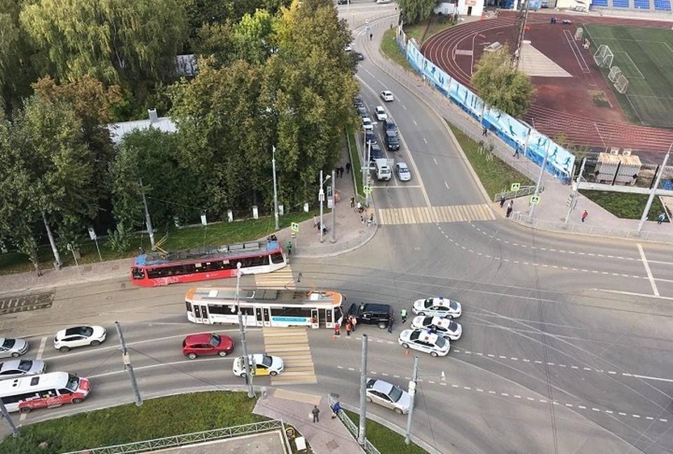 ДТП на улице Революции в Перми. Фото: Евгения Романова.