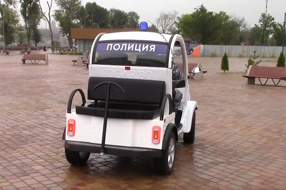 Транспорт будут привлекать для охраны порядка в пешеходных зонах. Фото: ГУ МВД по Ростовской области.