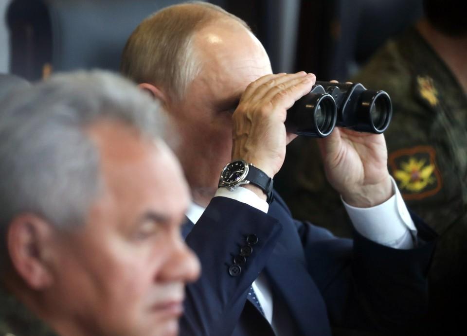 "Владимир Путин приехал на учения ""Запад - 2021"""