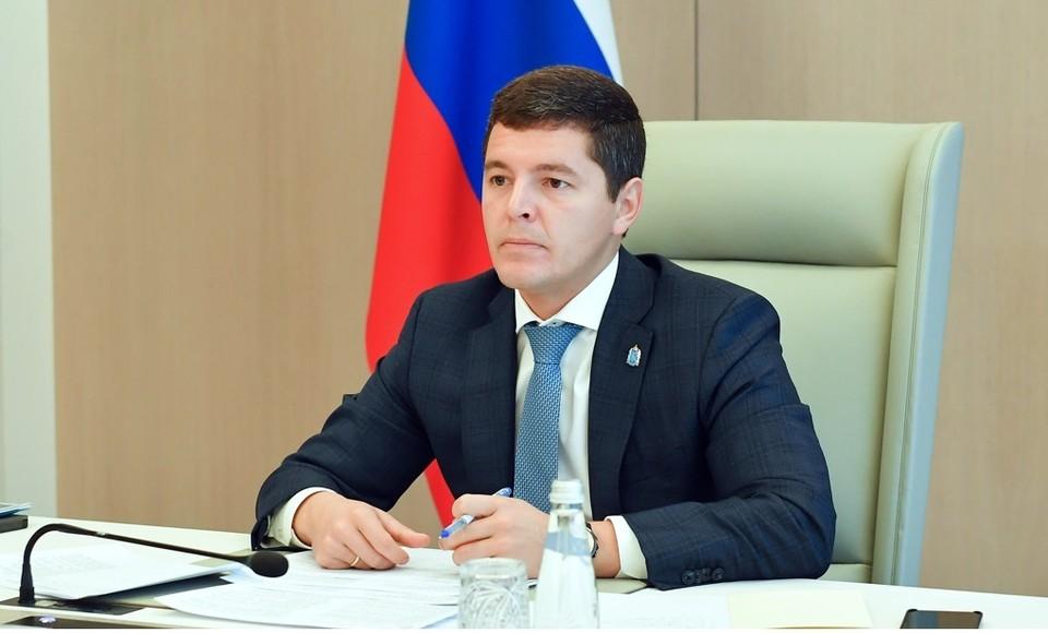 Дмитрий Артюхов считает, что Северный широтный ход - важнейший проект для всей Арктической зоны России. Фото: Правительство ЯНАО