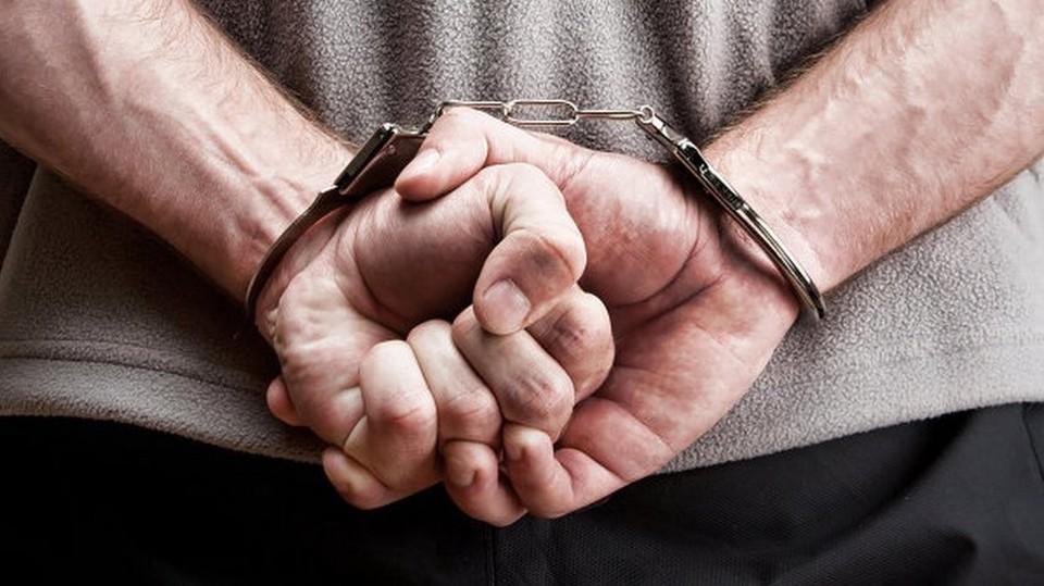 Вора доставили в отдел полиции, а потом отпустили под подписку о невыезде.