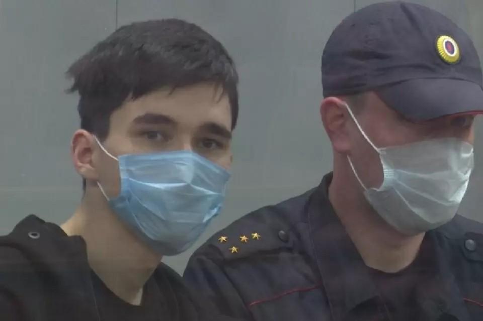 В Петербург этапировали Ильназа Галявиева, устроившего стрельбу в казанской школе №175.