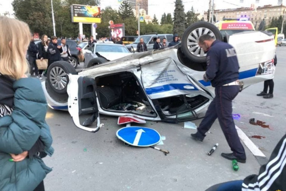 Полицейские были пристегнуты и не пострадали
