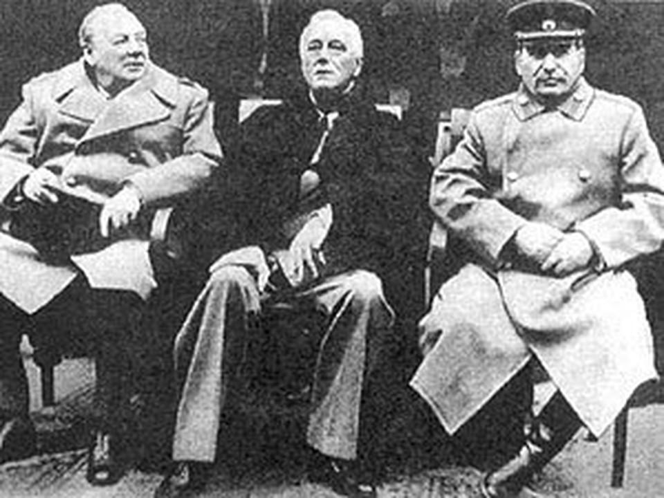 Деятели культуры просят запретить установку памятника Сталину, Рузвельту и Черчилля