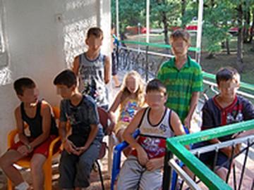 """Чеченский омбудсмен настаивает на национальной подоплеке конфликта в лагере """"Дон"""""""