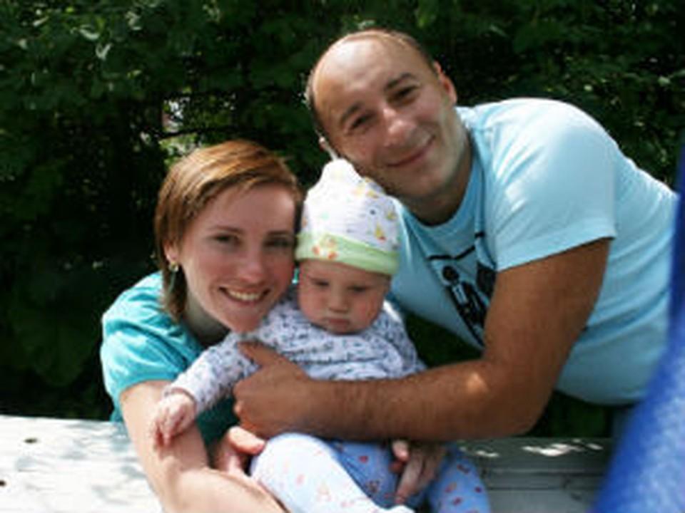 Подполковник Александр Михайлов разрывался между семьей и работой.