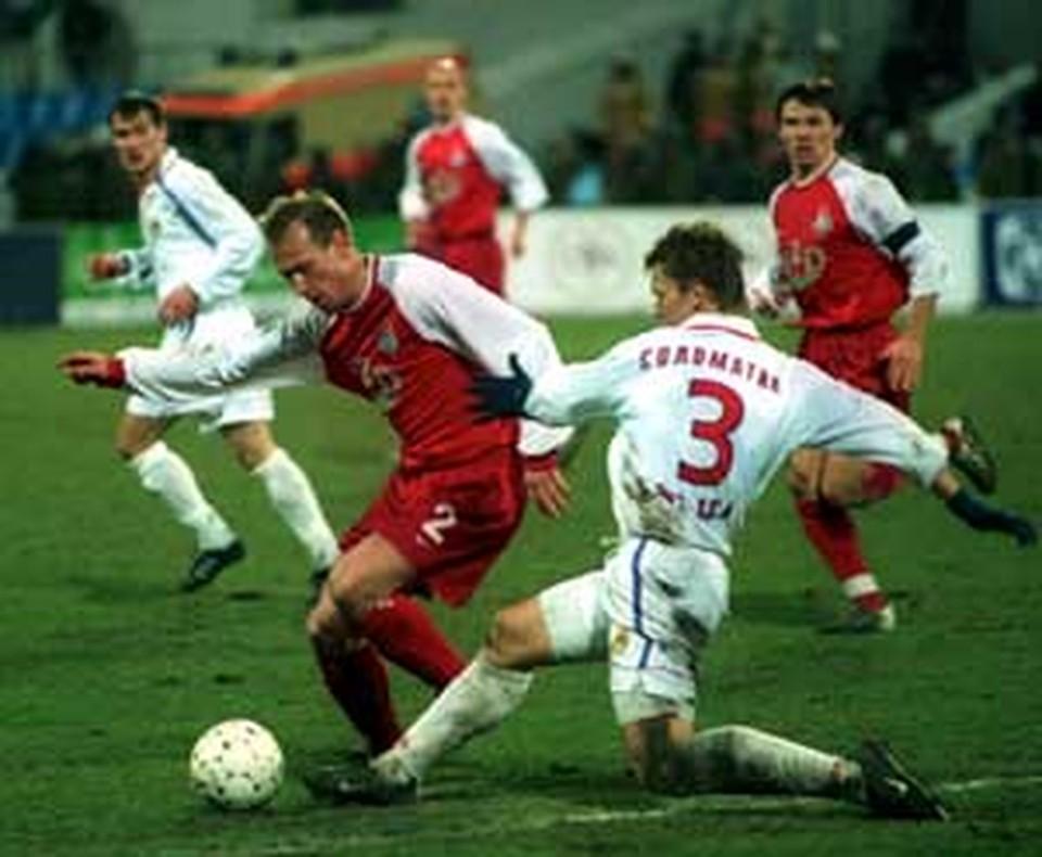 В сезоне-2002 «золото» в дополнительном матче разыграли «Локомотив» и ЦСКА.