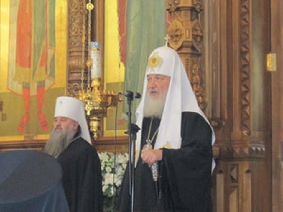 Патриарх Кирилл впервые приложился к поясу Богородицы в Нижнем Новгороде в День народного единства.