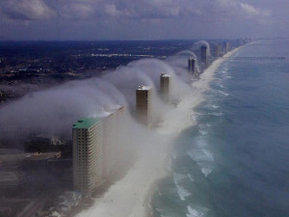 """Небесное цунами"" запечатлели во Флориде"