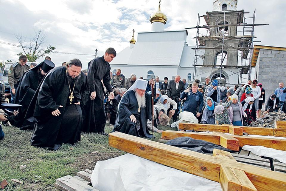 Поклонные кресты, спиленные в Челябинской области, будут восстанавливать всем миром.