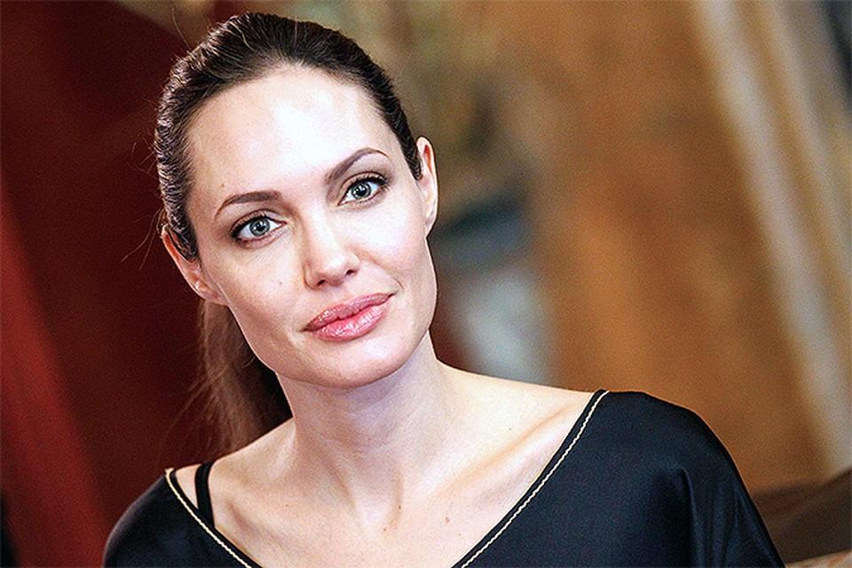 Анджелина Джоли взбудоражила турецкий парламент
