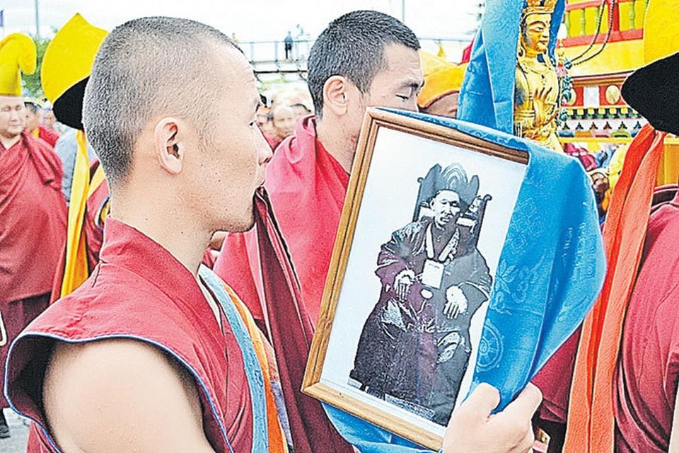 Глава всех российских буддистов, уйдя в мир иной в Бурятии в 1927 году, до сих пор выглядит как живой.