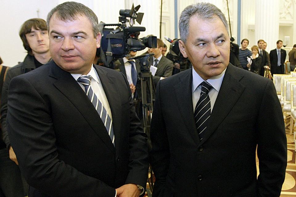 Анатолий Сердюков уволен с поста министра обороны, теперь этот пост займет Сергей Шойгу