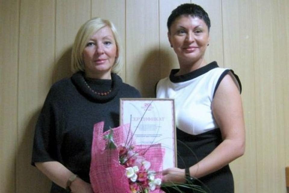 В Архангельской области в рамках акции «Двадцать лет успеха» отметили труд Татьяны Ушаковой (на фото слева).