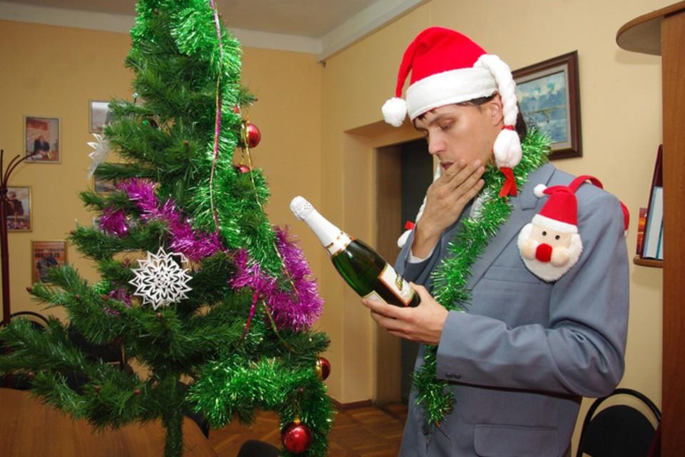 В праздники лучше не злоупотреблять шампанским
