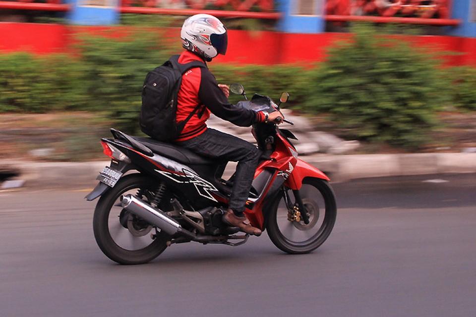Будет у нас, как в Индонезии: права, номера. Вот только будут ли владельцы скутеров соблюдать эти требования?