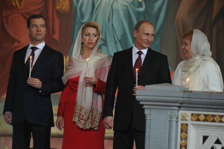 Владимир и Людмила Путины объявили о разводе.