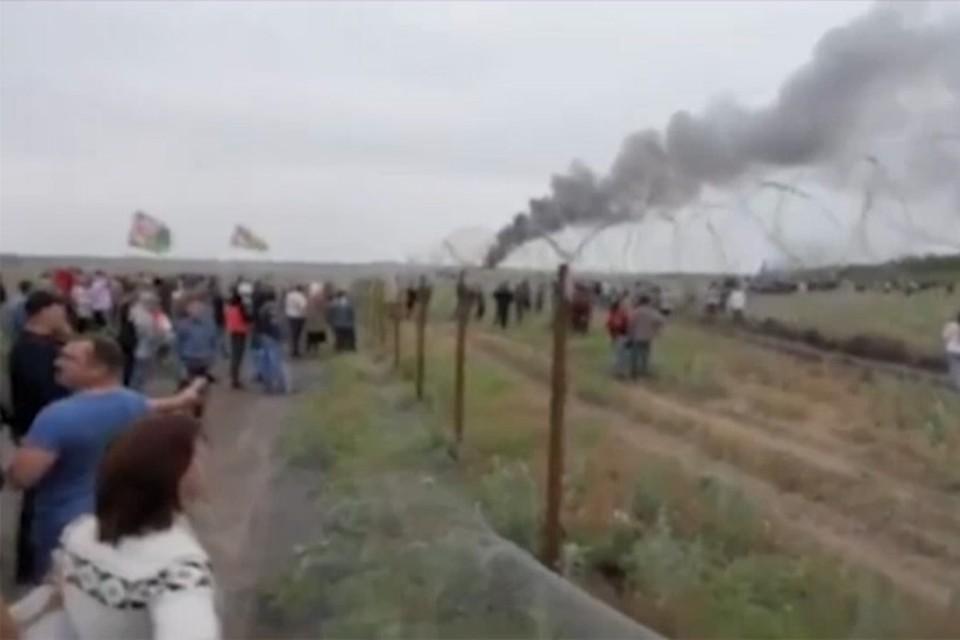 Организаторы митинга утверждают, что беспорядки возникли стихийно.