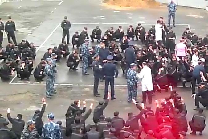 400 человек уже пятый день не ходят на работу и не соблюдают режим