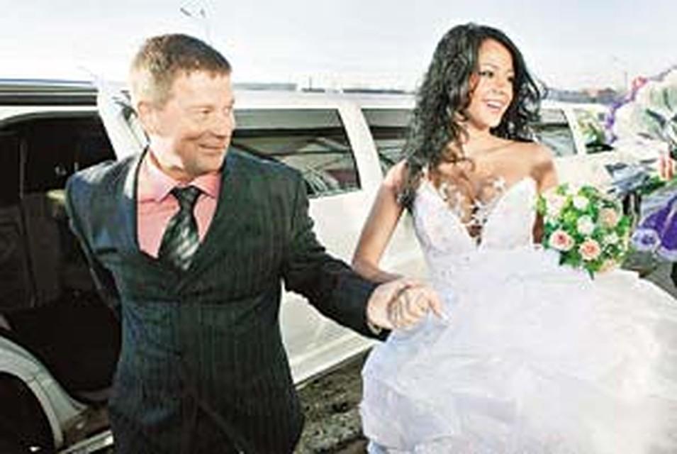 Беркова елена свадьба, раздиванивание до гола дома секс игры