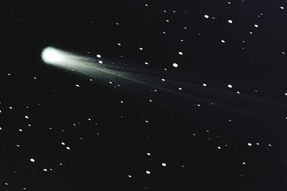 Та самая комета незадолго до столкновения с Солнцем.