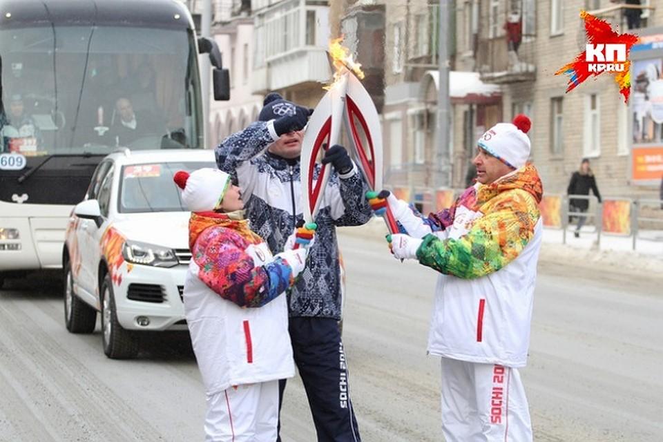 v-kakih-gorodah-pronesut-olimpiyskiy-ogon