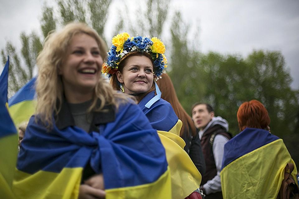 Массовая бойня в Донецке cлабонервным не смотреть