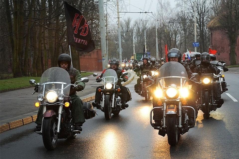 Накануне Дня Победы калининградские байкеры ежегодно совершают поездки на мемориал в Бранево.