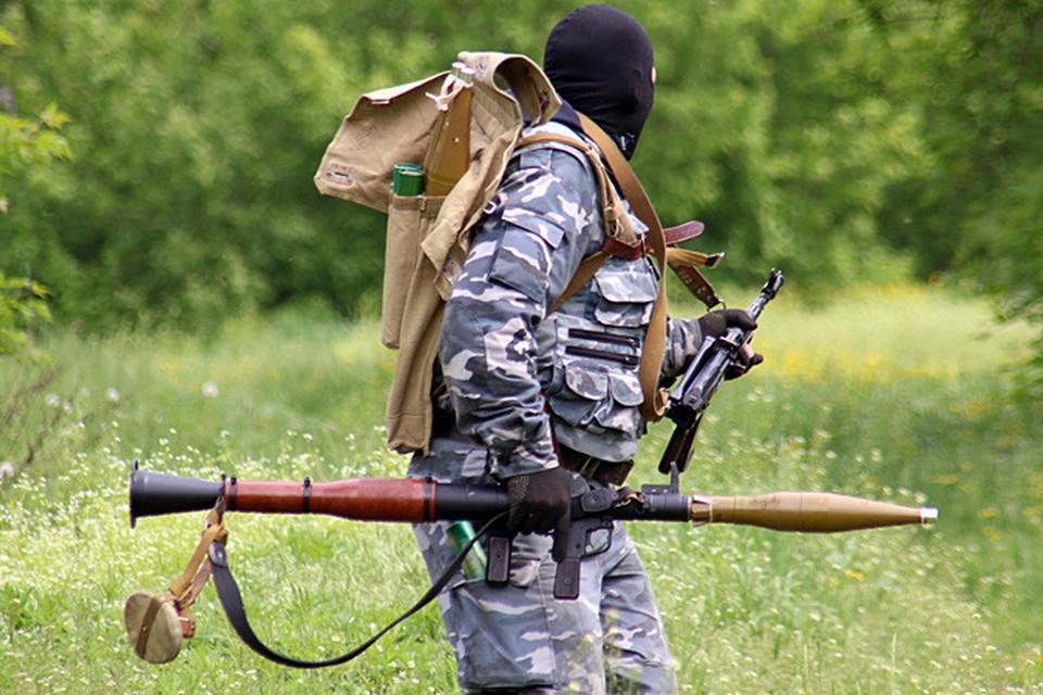 Бой под Семеновкой, что всего в километре от Славянска начался около полудня