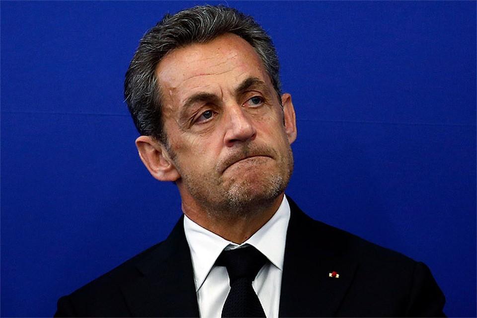 Экс-президент Франции проведет сутки под стражей. Для начала