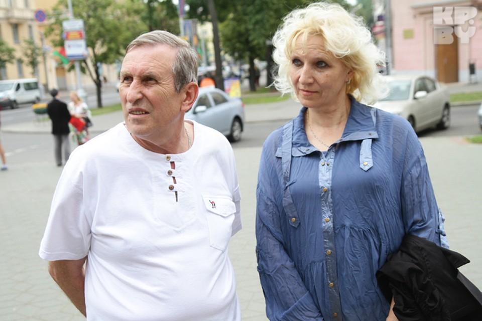 """""""Комсомолка"""" расспросила прохожих о том, какую зарплату они считают хорошей."""