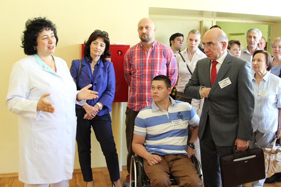 """Татьяна Батышева (слева): """"Моя мечта, чтобы в программе реабилитации указывался вид спорта, которым может заниматься ребенок""""."""