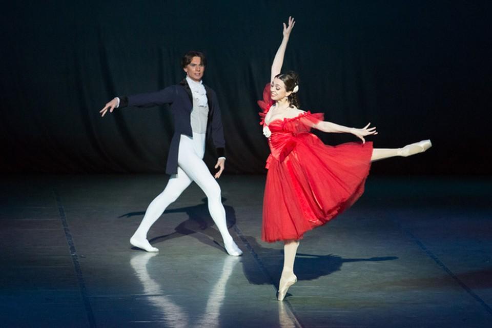 С мировой звездой Ниной Ананиашвили Игорь Артамонов танцевал балет «Маргарита и Арман».