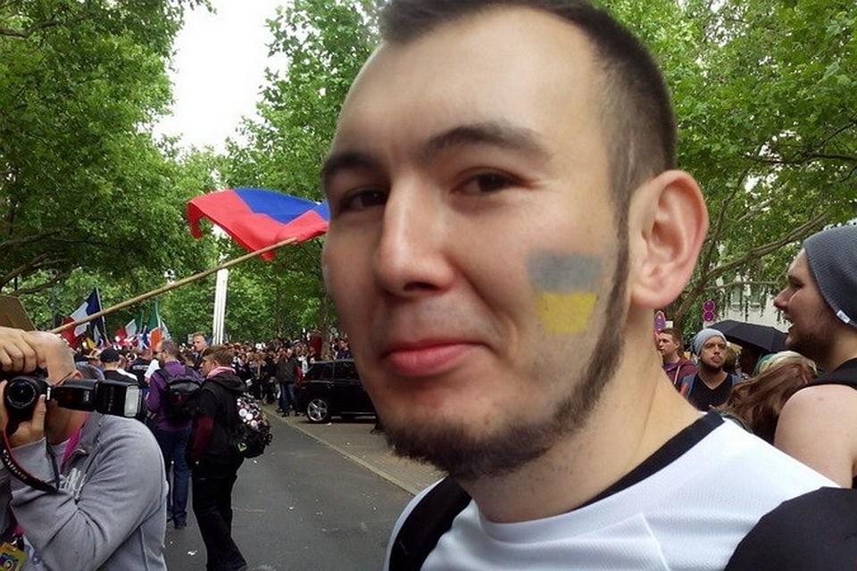 Поиск активного гея фото 582-871