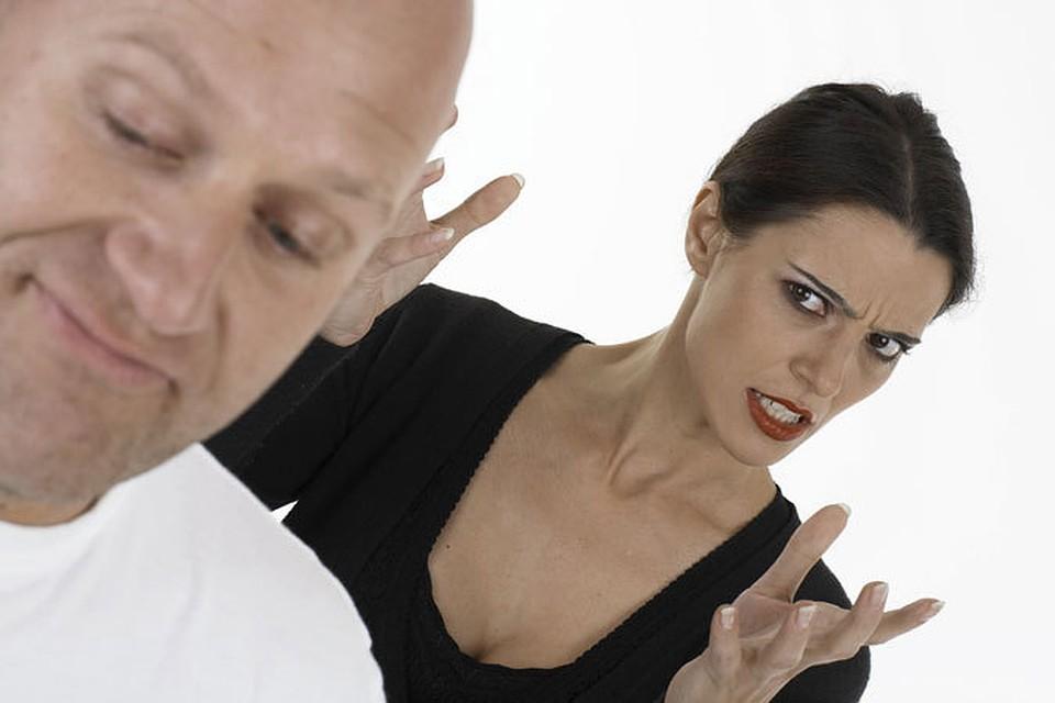 Девушка приезжает к парню которого когда-то любила тот живет с взрослым мужчиной и состоит с ним в г