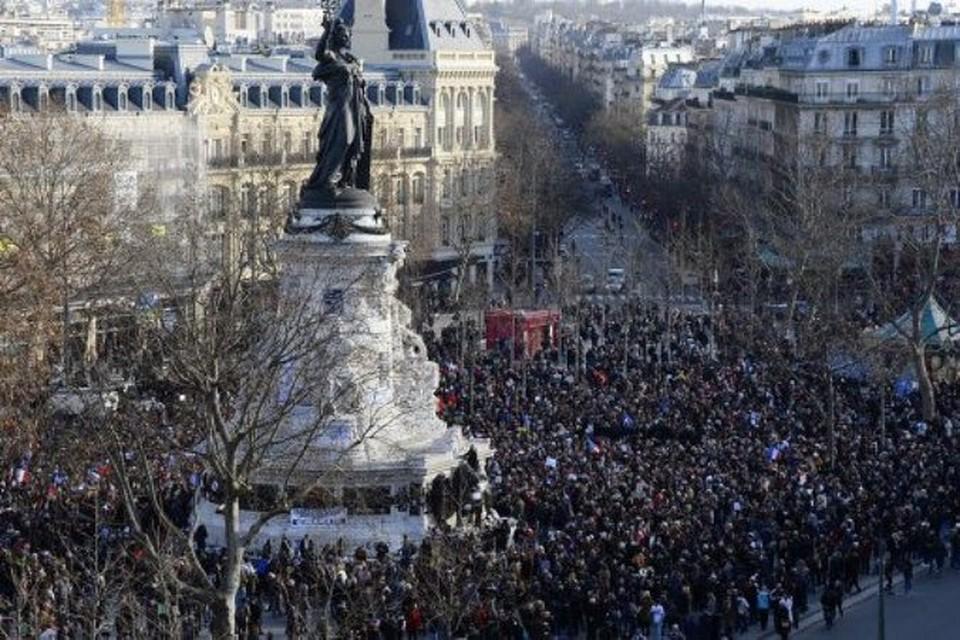 На улицах Парижа сильная давка из-за Марша солидарности