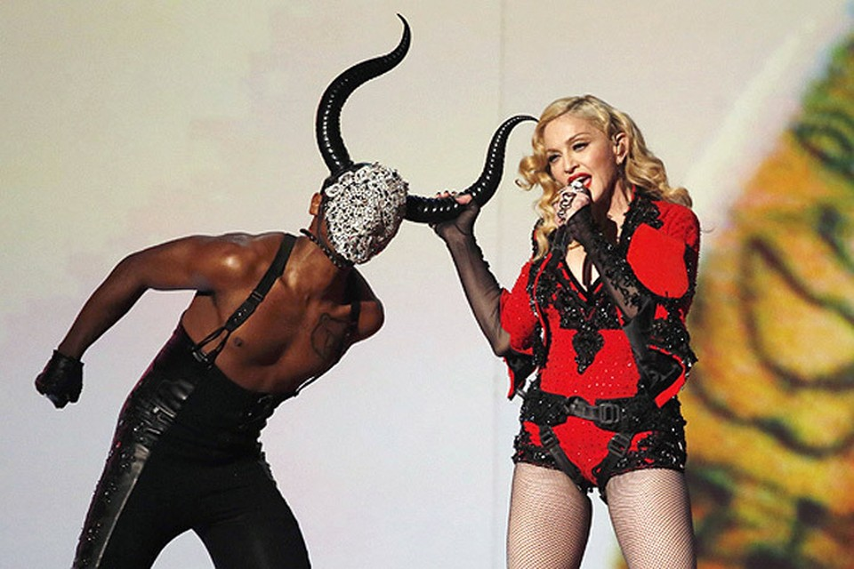 Мадонна шокировала почтенную публику своим образом матадора