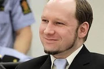 Андерс Брейвик подает в суд на правительство Норвегии