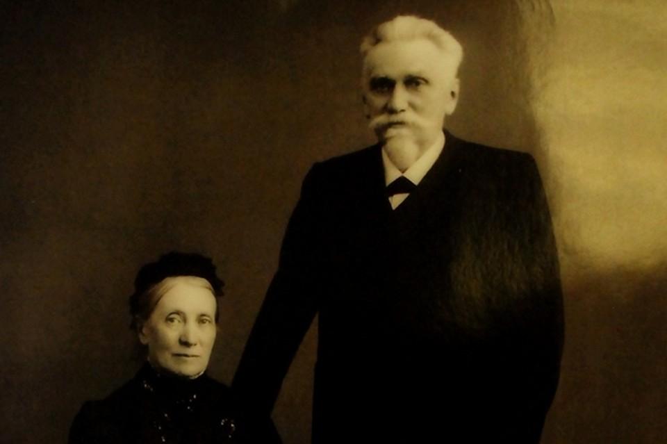 """На фото глава """"Черных кабинетов"""" К.Вейсман империи с 1886-го по 1892 годы с женой"""