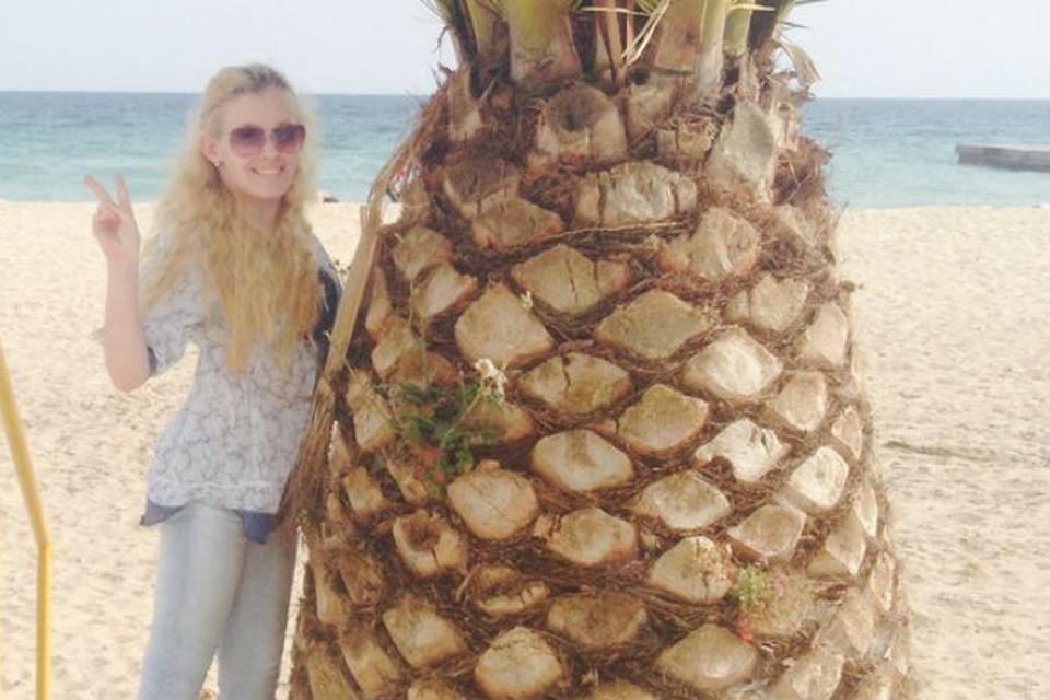 Софья Бабич учится ходить в Греции