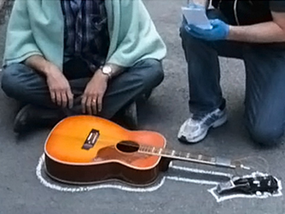 Дэйв Кэррол отомстил United Airlines за гитару