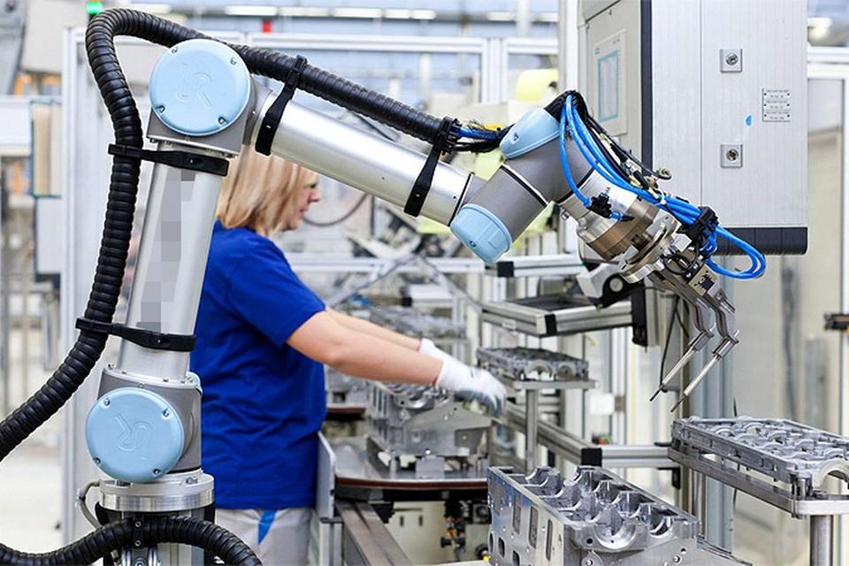 1 июля 21-летний рабочий из Саксонии погиб на заводе, потому что один из роботов вышел из-под контроля