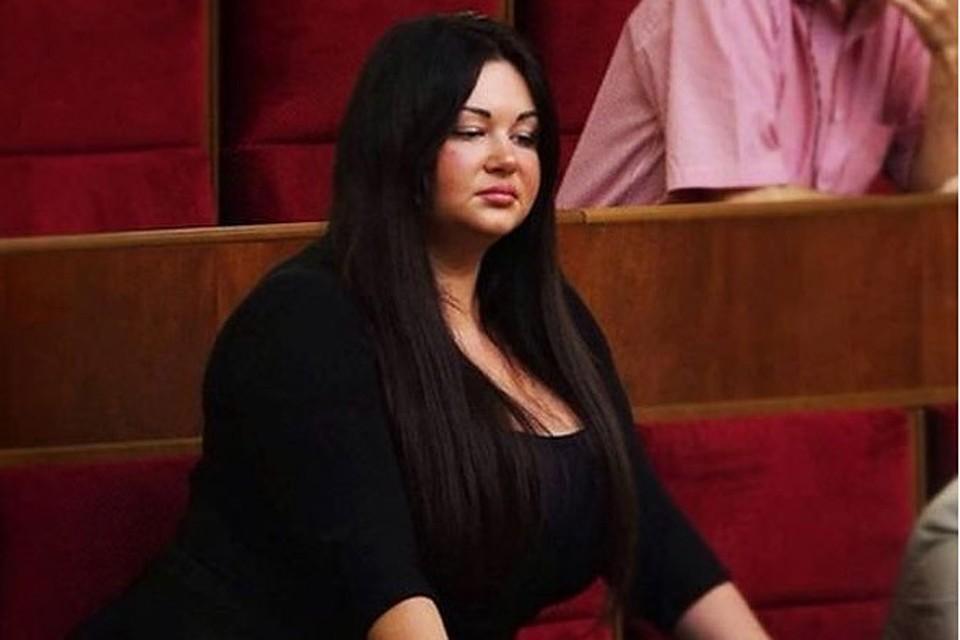 Русская госпожа заставила лизат