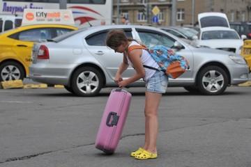 Какие документы нужны для выезда несовершеннолетних из Молдовы в Россию без взрослых?
