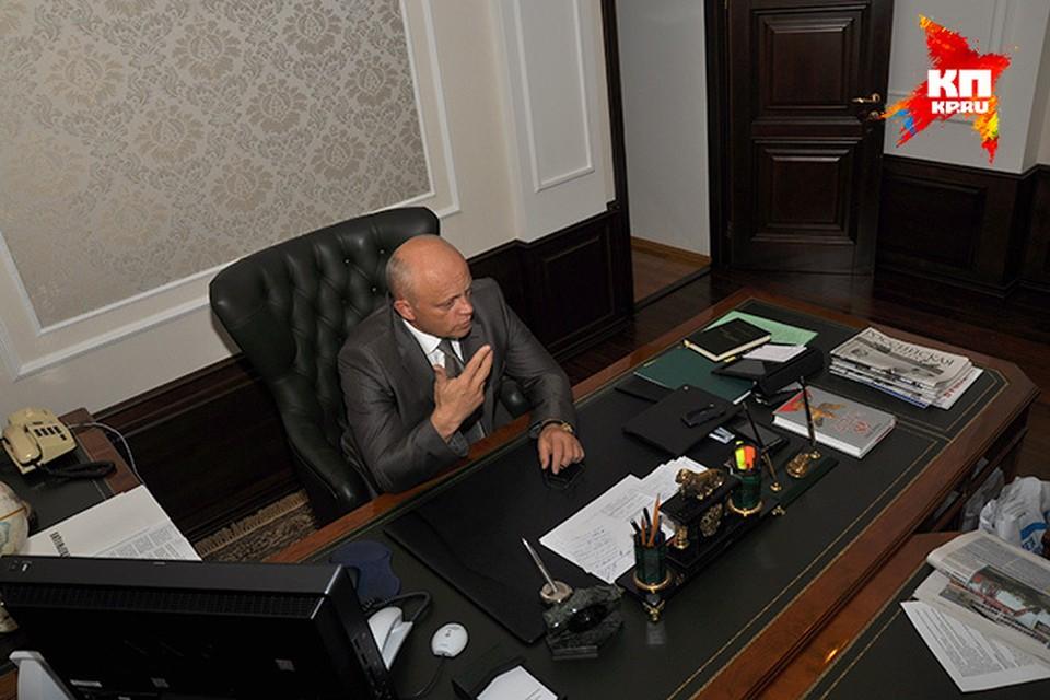 После 13 сентября хозяин этого кабинета может смениться, но большинство экспертов в это не верит